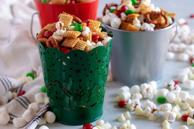 Christmas Chex Mix.Salty Sweet Christmas Chex Mix